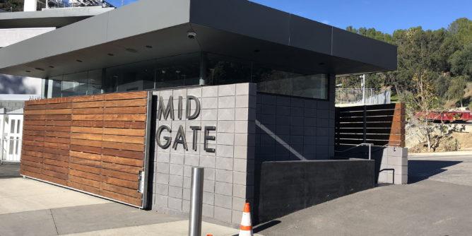 Hollywood Bowl mid gate